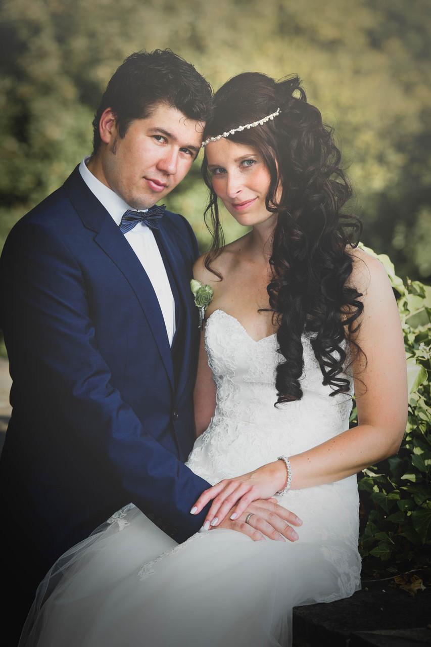 Hochzeit Braut und Bräutigam Brautfotos Schloss Burg in Solingen Fotograf NRW