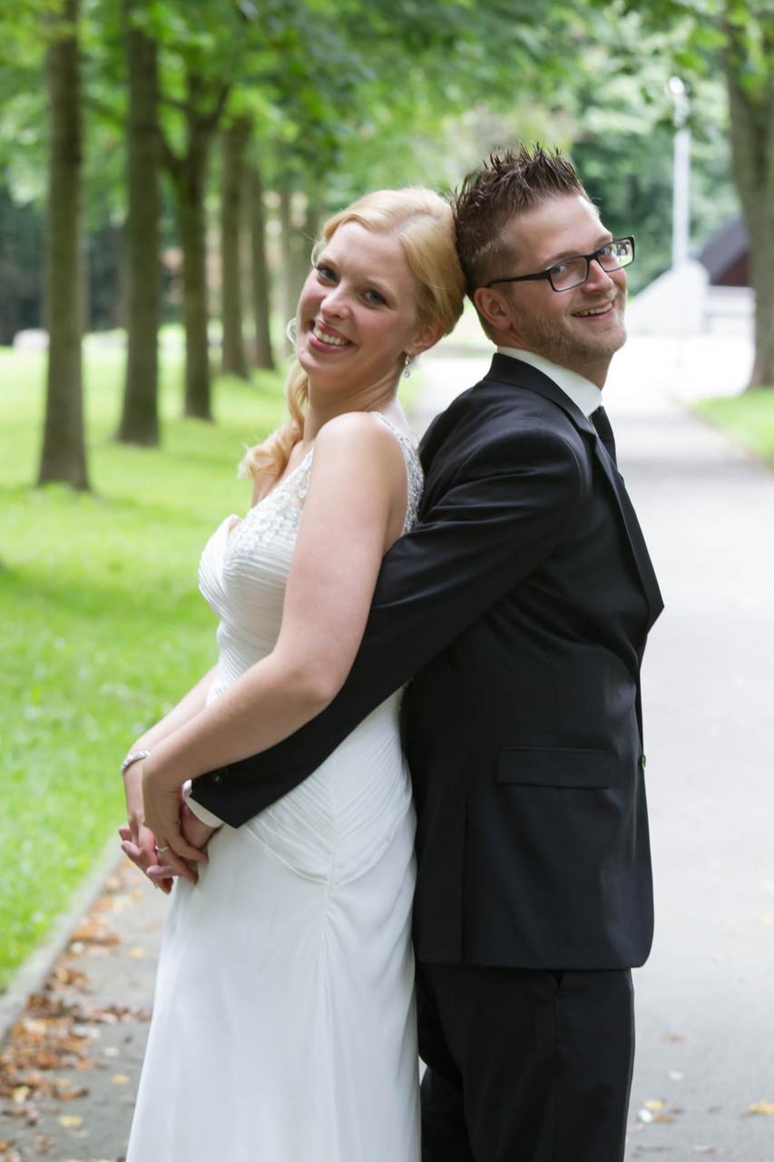 Hochzeit Fotograf Wuppertal NRW Remscheid Glückliches Brautpaar Kopf an Kopf