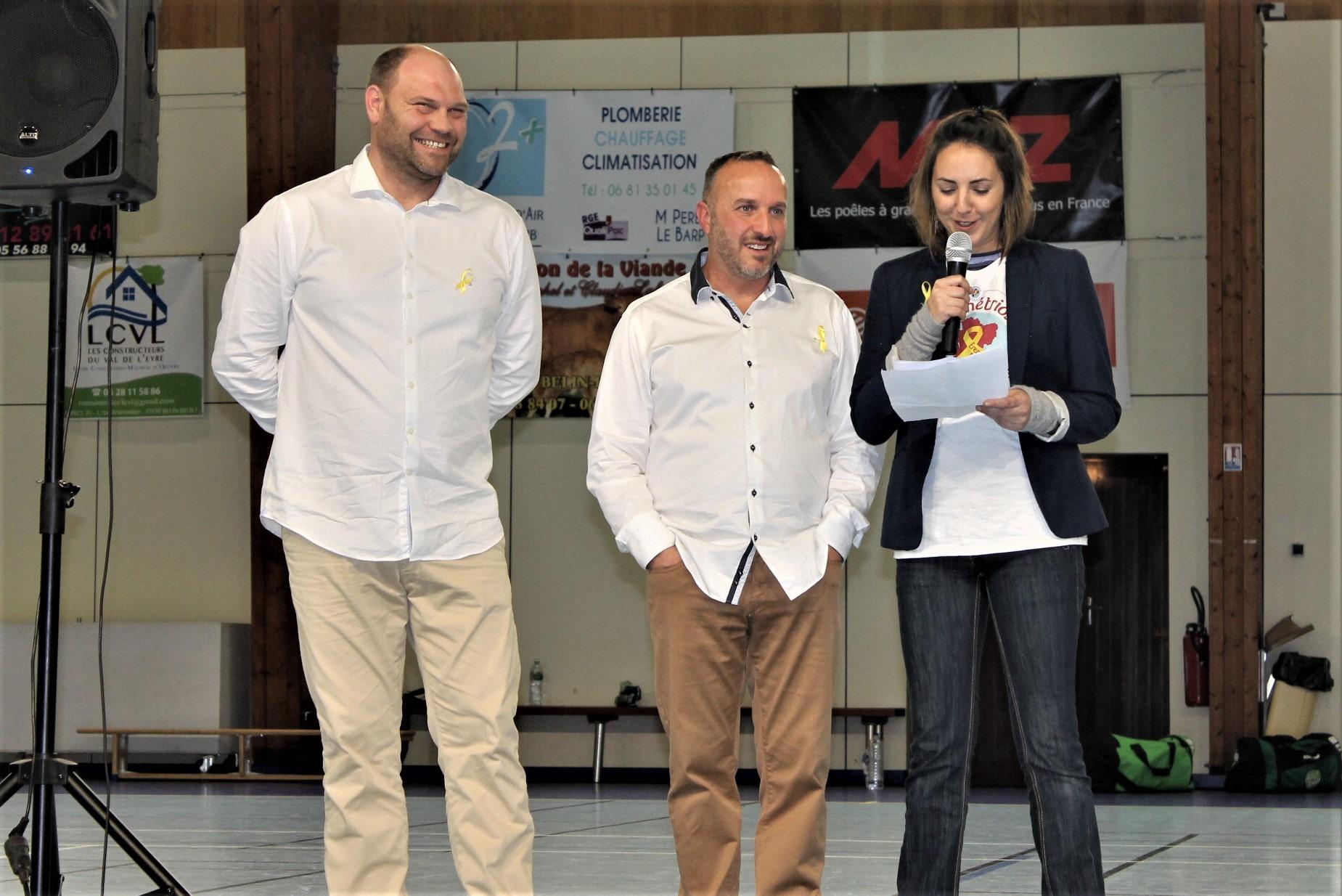 Sebastien Pernaut et Yvan Buttignol aux cotés de la présidente de l'association ERENA, Sandy Esparcieux.