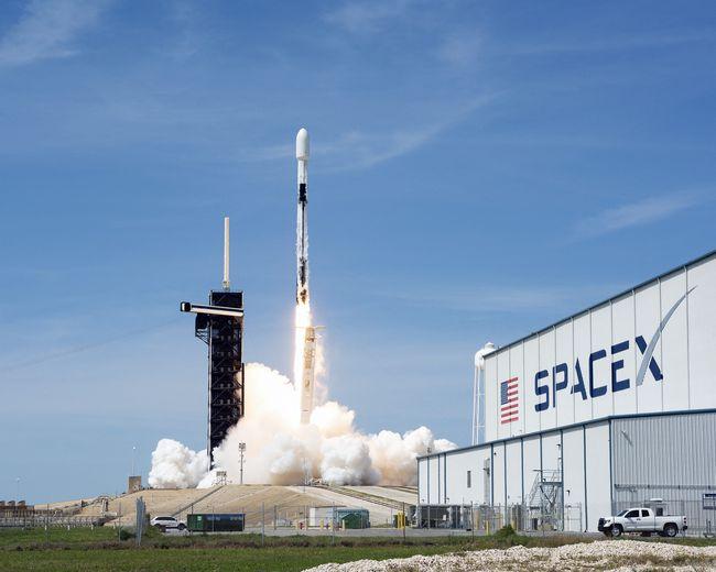 Lancement d'un train de satellites en avril 2020.