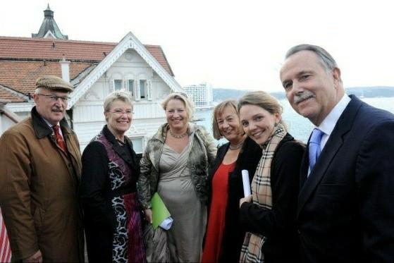 Bei der Eröffnung der Villa Tarabya 2011 - Foto: Sedat Mehder