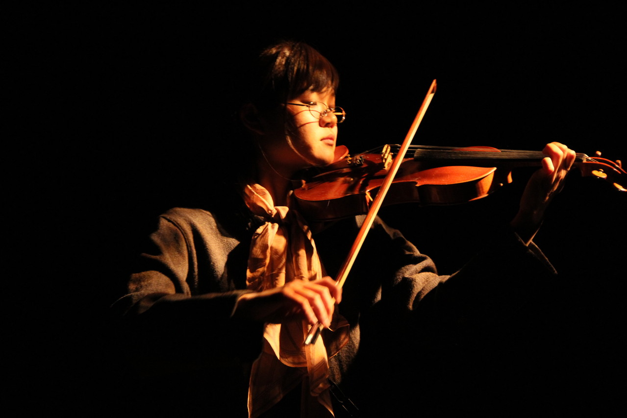 軽い気持ちでバイオリン弾いてって言ったら想像を遥かに上回る上手さで腰が抜けた。