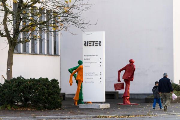 Der Spinnmaschinen-Hersteller Rieter will in Winterthur Maschinen nur noch montieren und baut darum an diesem Standort über 200 Stellen ab. Bild: Keystone/Dominic Steinemann