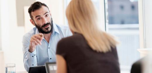 Eine Auswertung des Stellenportal-Anbieters Jobcloud zeigt: Profile von Männern werden fast doppelt so häufig angeklickt wie die von Frauen.
