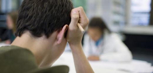 Ohnehin scheitern besonders junge Bewerber oft schon bei den Anforderungen einer Online-Bewerbung.