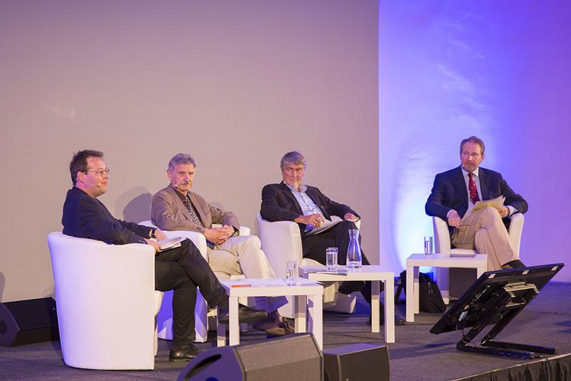 """29.6.2015 Science Talk mit Josef H. Reichholf (""""Rabenschawarze Intelligenz""""), Kurt Kotrschal und Philipp Harmer"""