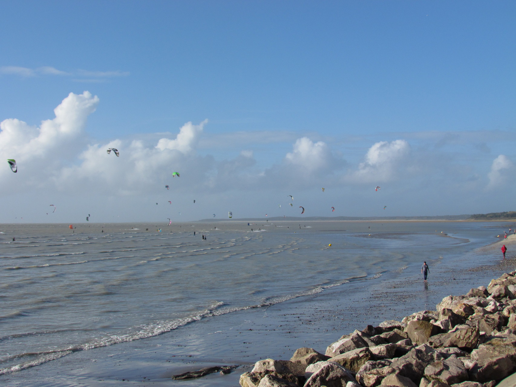 La plage du Crotoy et ses kitesurfs