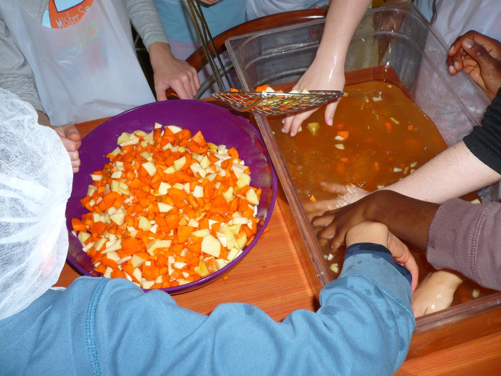 Les légumes sont égouttés © UNAT Centre