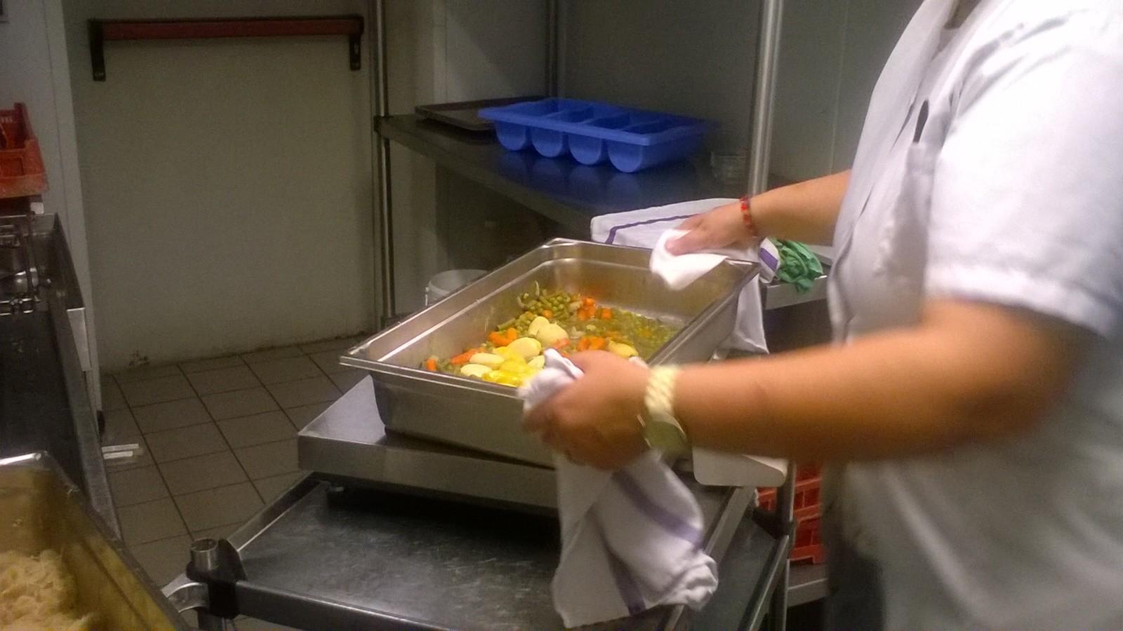 Pesée des légumes ©UNAT Centre