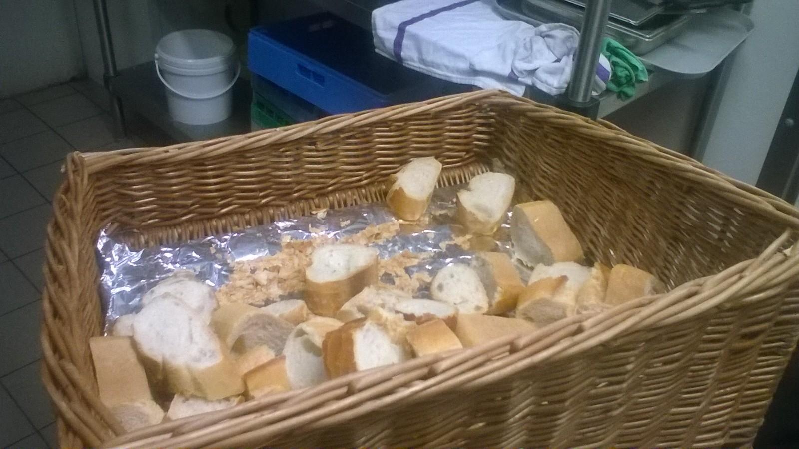 Pesée du pain ©UNAT Centre