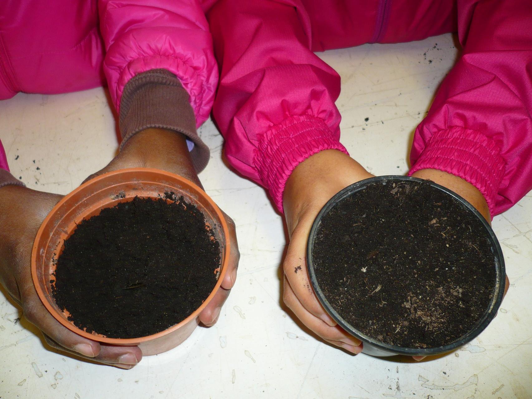 Les pots que l'on ramènera à l'école © UNAT Centre