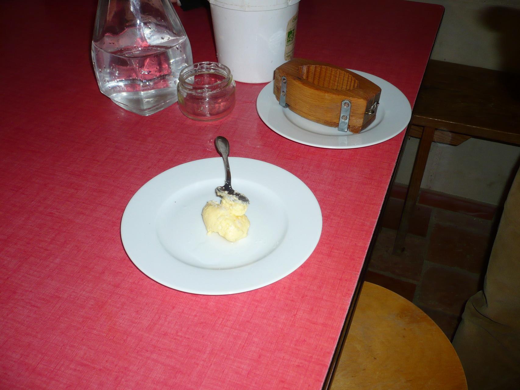 On obtient une boule de beurre © UNAT Centre