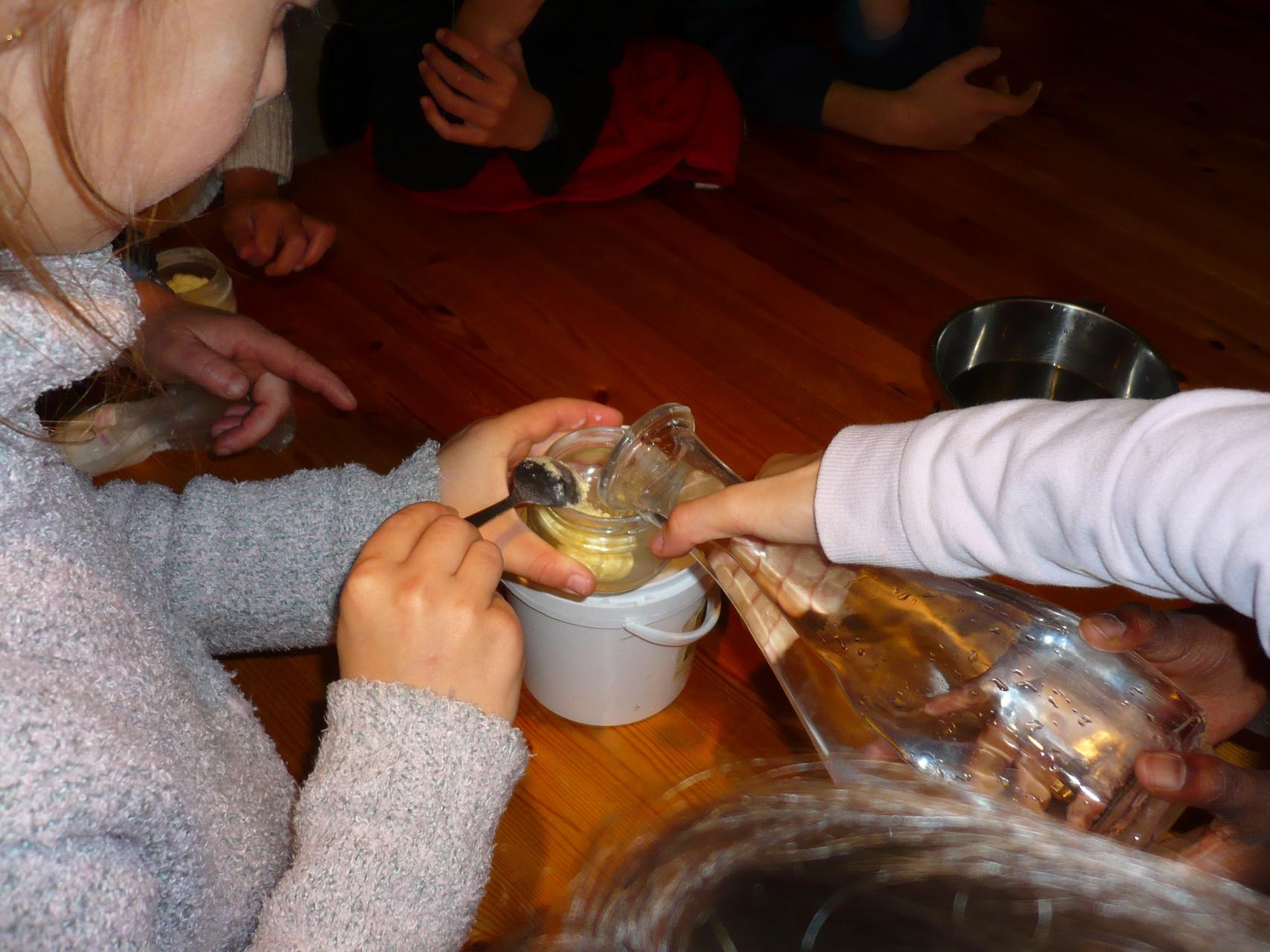 Rinçage du beurre © UNAT Centre