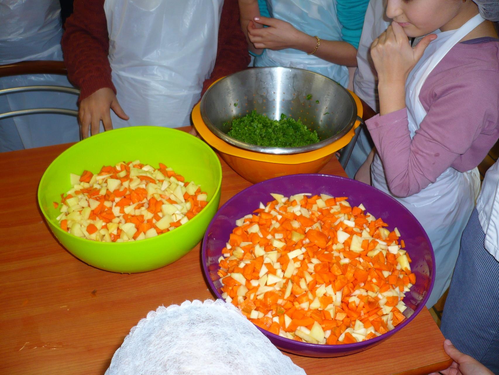 Et voilà tous les légumes sont prêts pour une bonne soupe dégustée le soir même ! © UNAT Centre