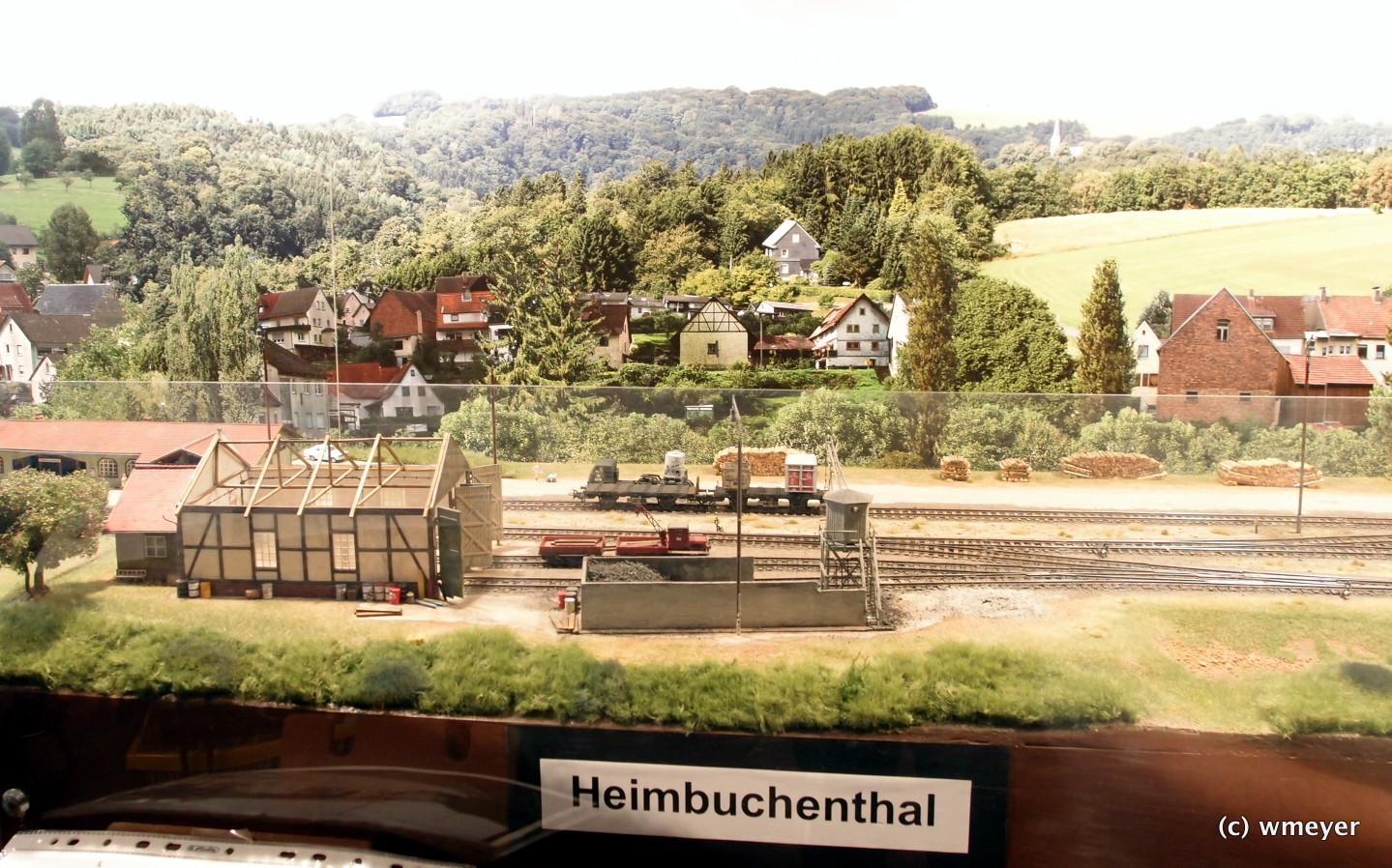 Endbahnhof einer Nebenbahn in H0 mit Jowi Hintergrund