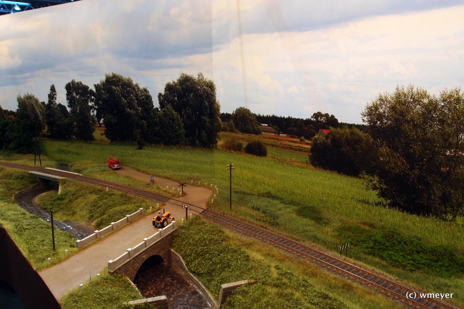 Mein Favorit: polnischer Bahnhof mit einer Weiche und viel Landschaft