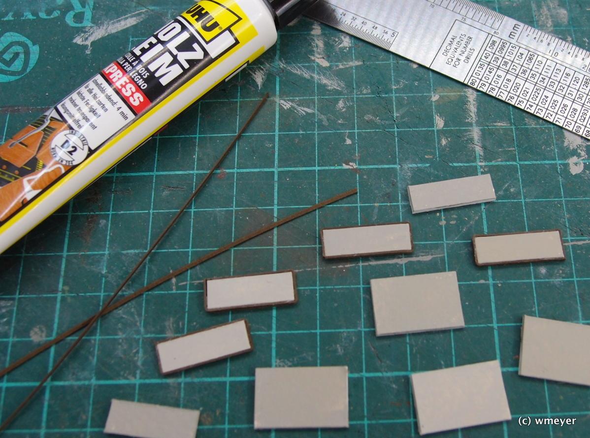 Die ersten Betonplatten mit Metalleinfassung