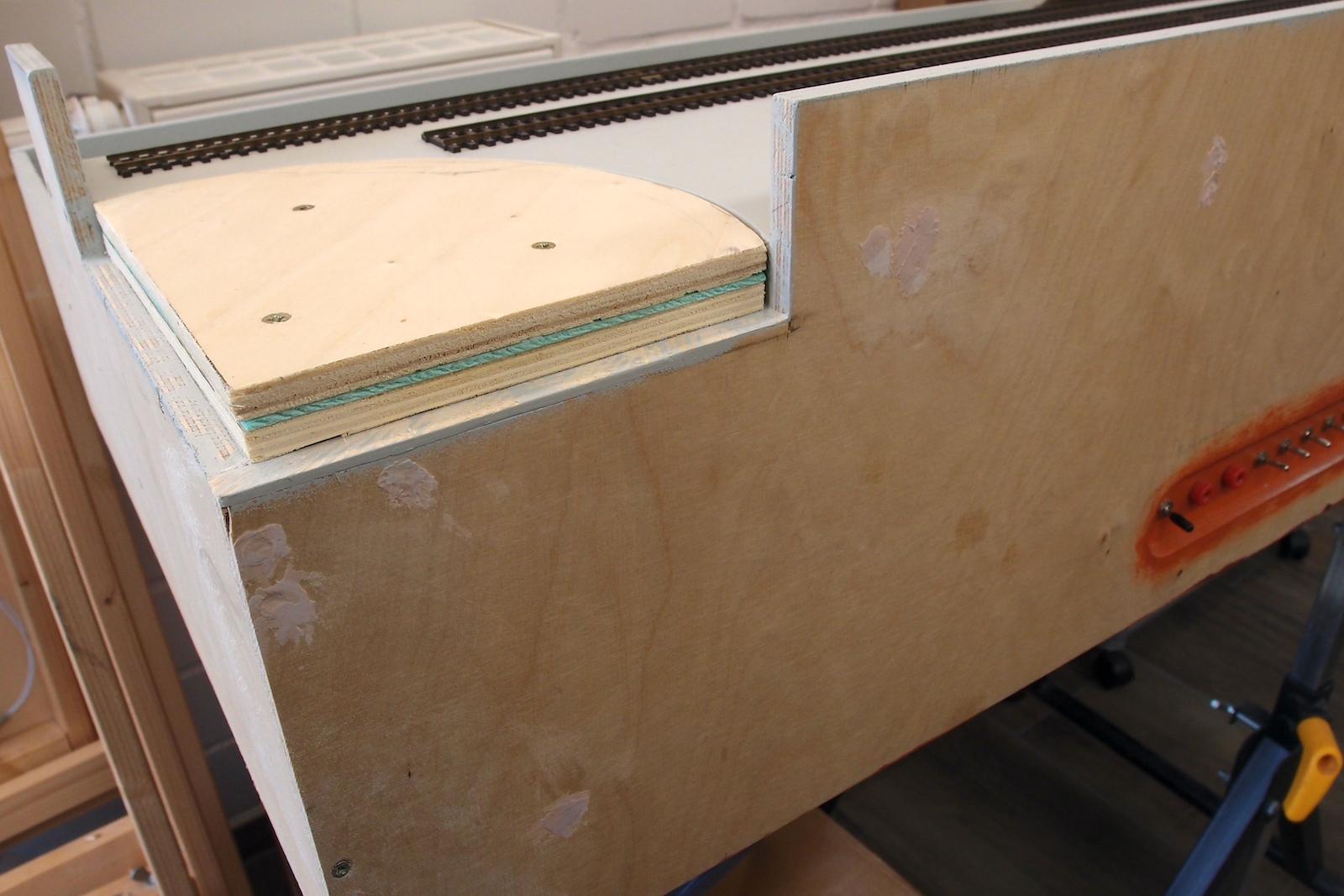 Schichten aus Sperrholz, Trittschall und Sperrholz