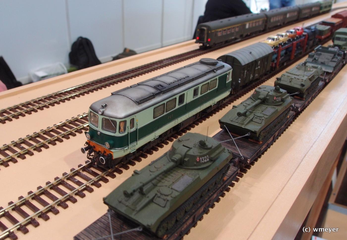 Mein Favorit: polnischer Bahnhof, Fahrzeuge im fiddleyard