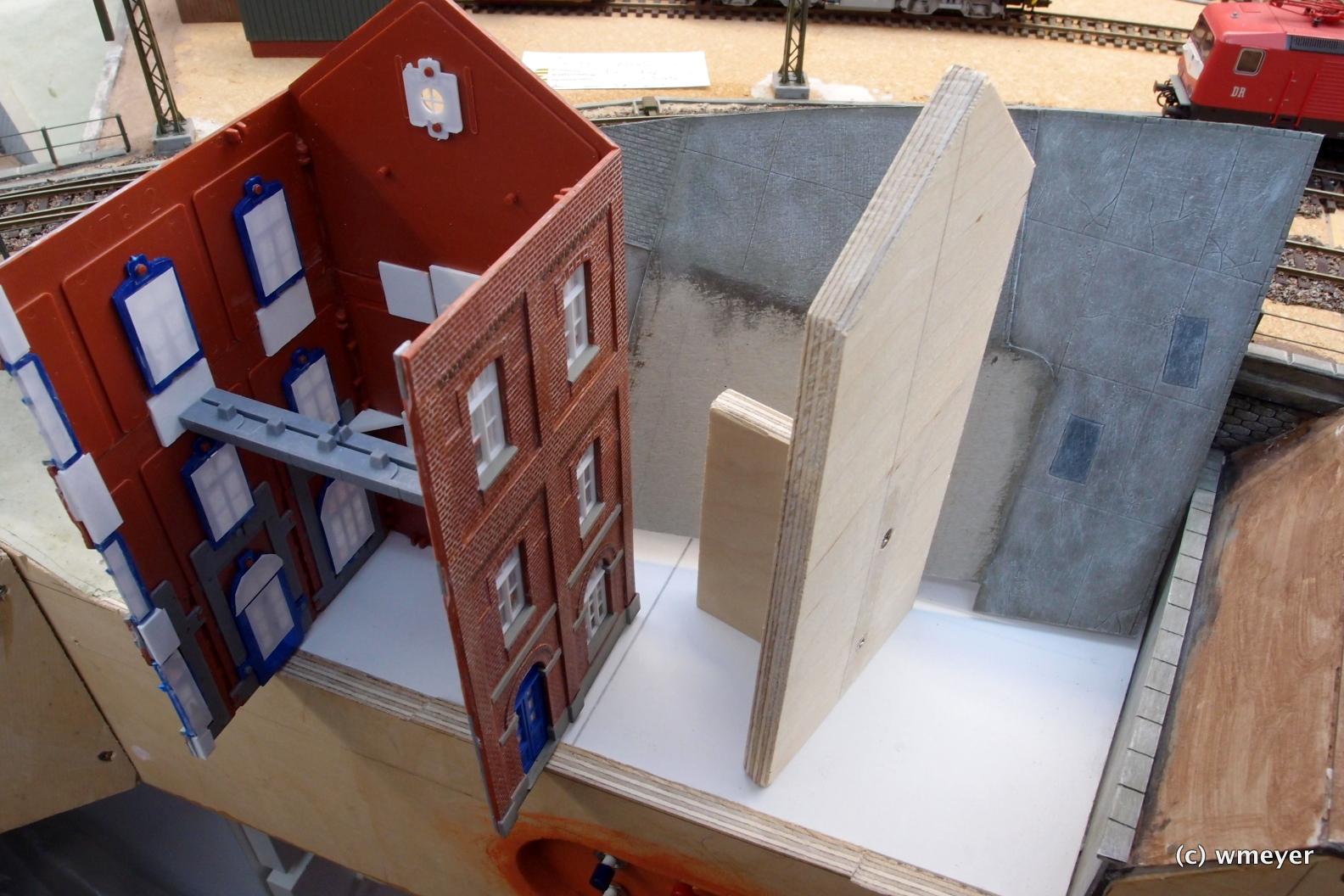 Rückwand Anlagenrand, Pflaster-/Betonplatte (stehend) vorbereitet