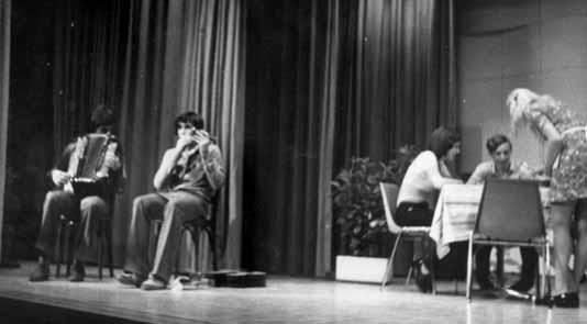 """1972 in der 9. Klasse bei der Aufführung eines Theaterstückes zusammen mit Heinz Reichenbach mein """"erster"""" Kleinauftritt"""