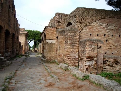 Улица античной Остии, фото Рим