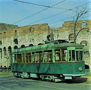 Трамвай ресторан в Риме фото