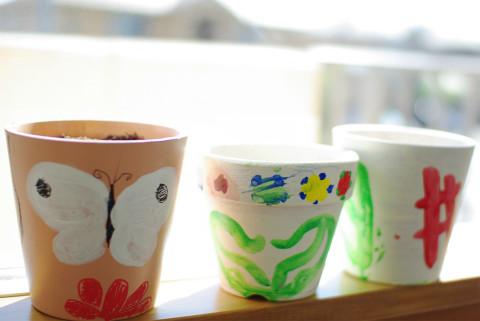 蝶になるまでの一生。 お隣は、色を乾かしながら、上手に重ねられるようになった作品です。
