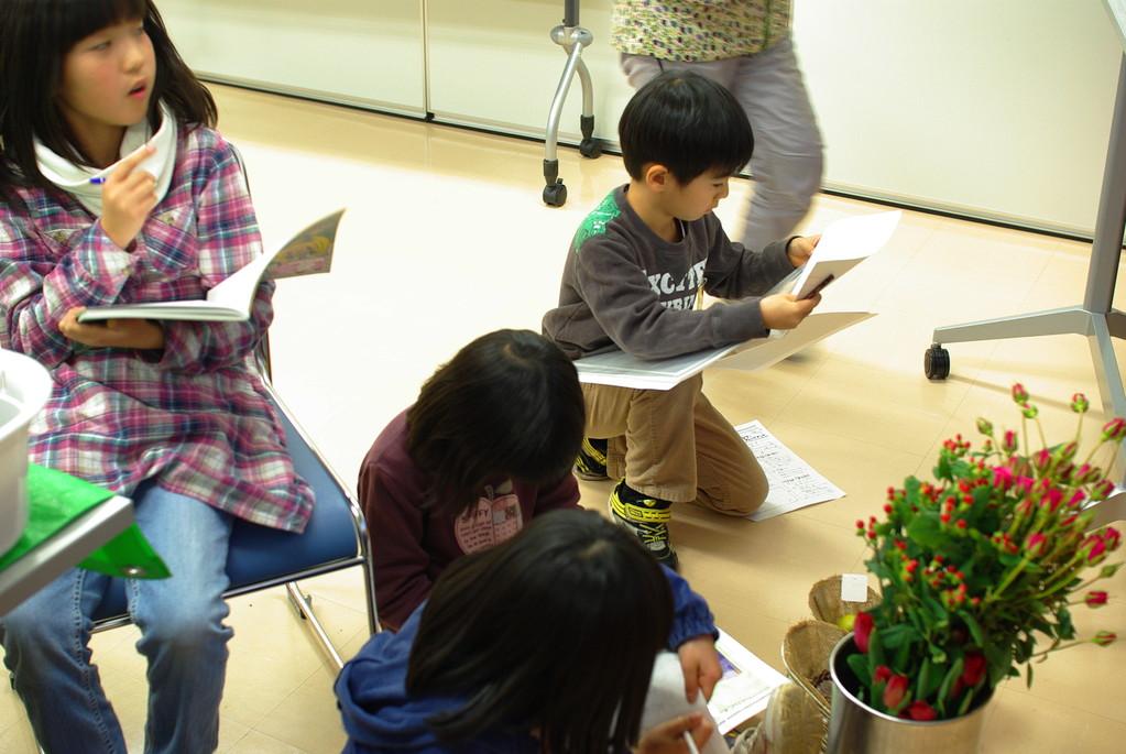 Niccoさんが花や木の名前をメモる場所を作ってくれていましたね。