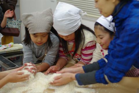 日本ではこの麹さんがいい仕事をしてくれるのです。