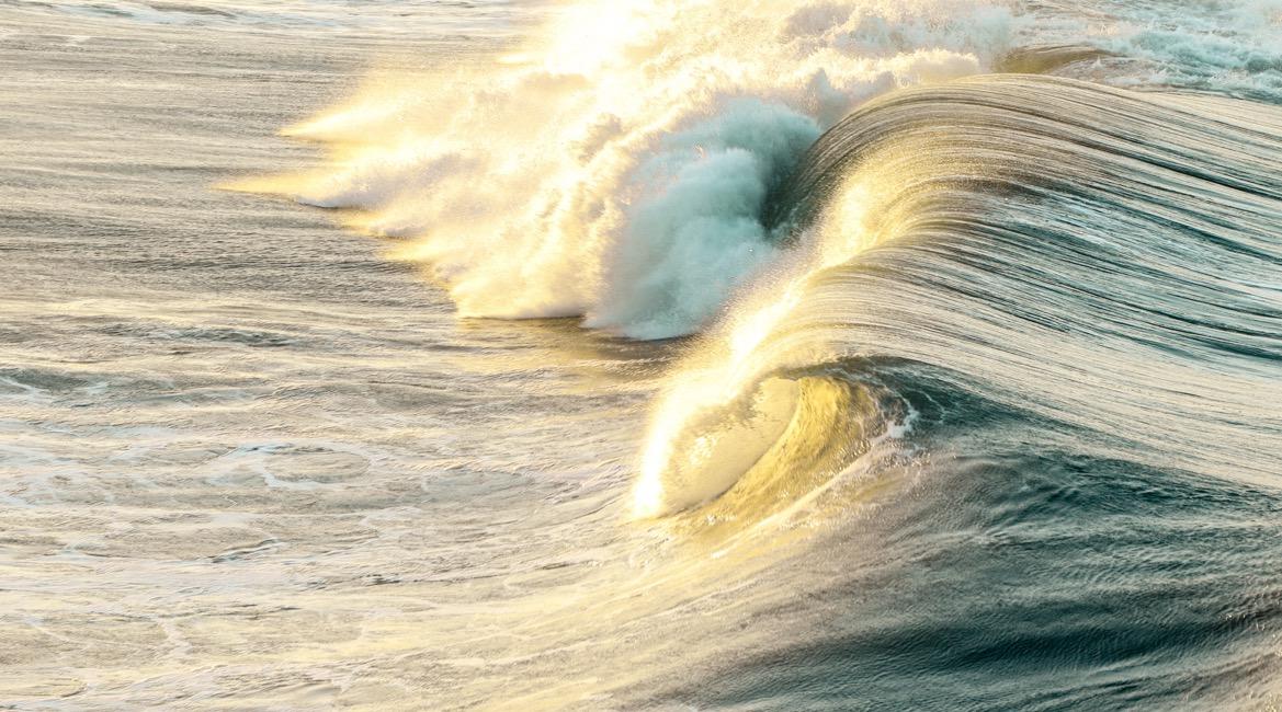 Das Leben ist nicht sanft, aber du kannst lernen auf den Wellen zu reiten.