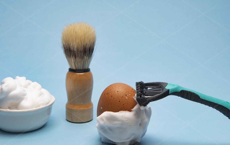 Afeitando huevos