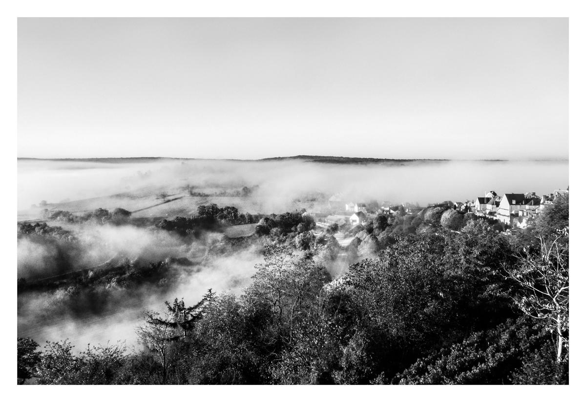 Dans la brume - Vézelay.