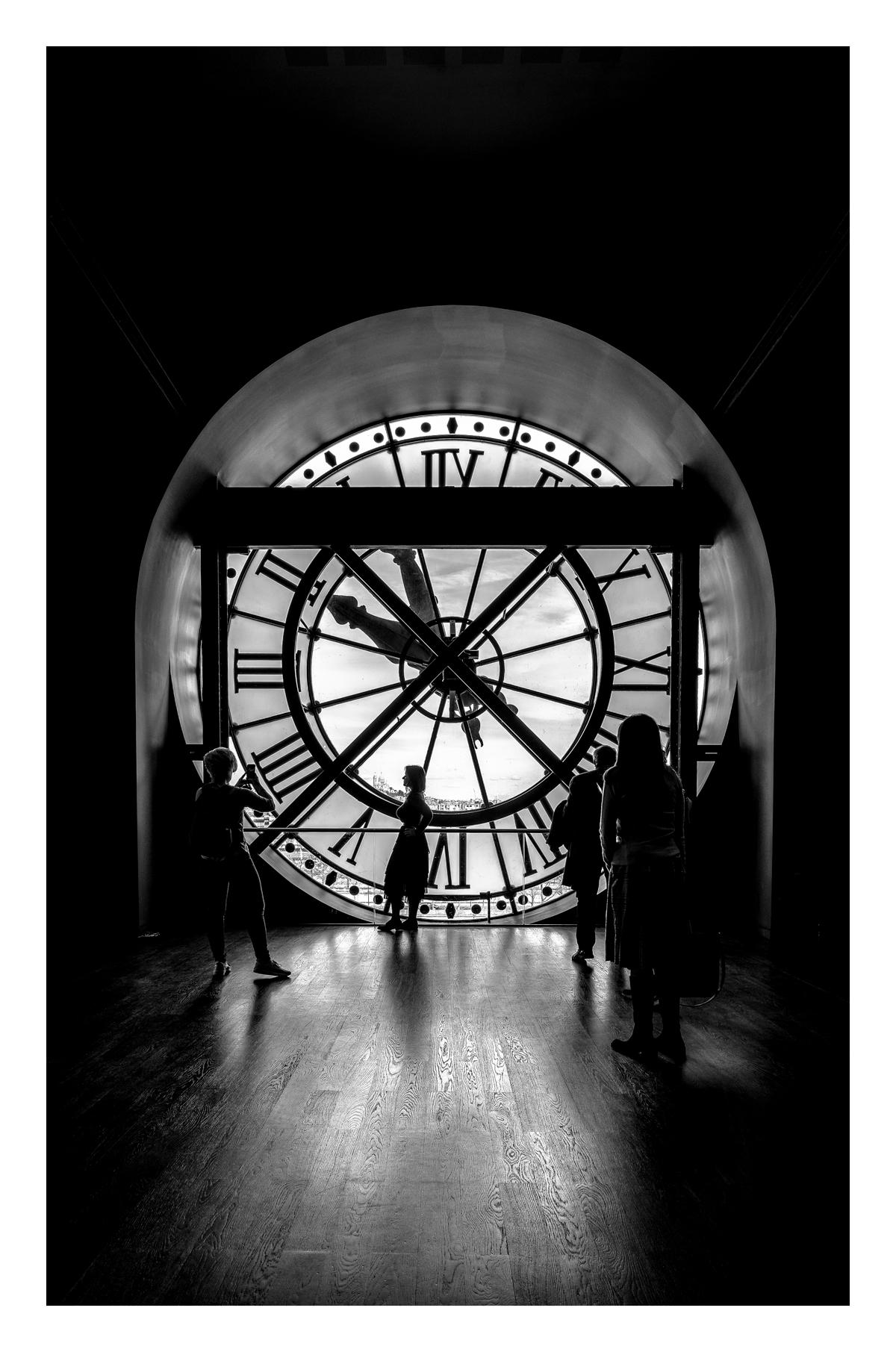 Le temps qui passe - Paris.