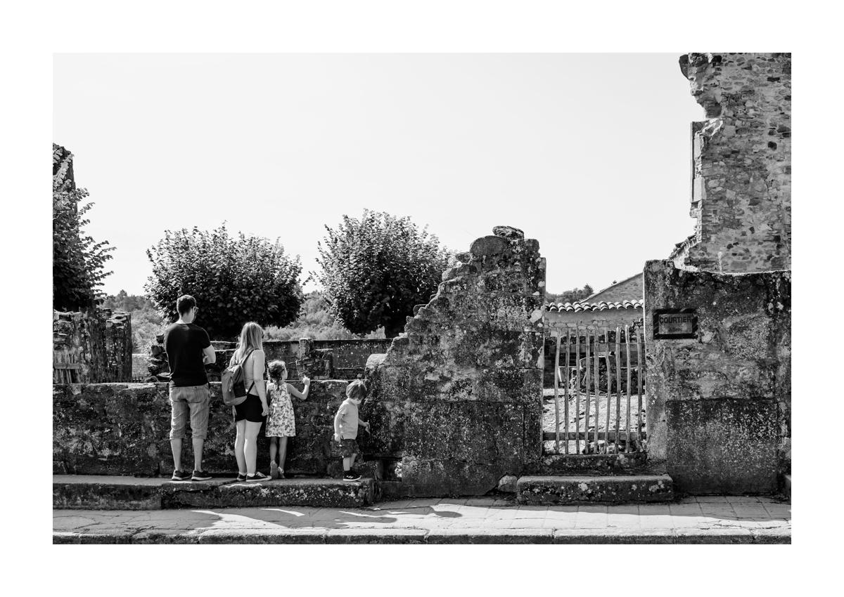 De l'autre côté de la barrière - Oradour Sur Glane.