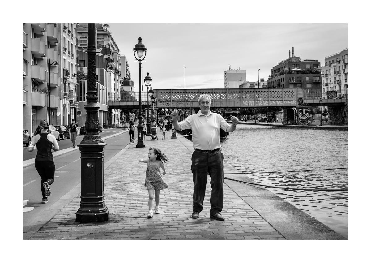 Bras ouverts - Paris.