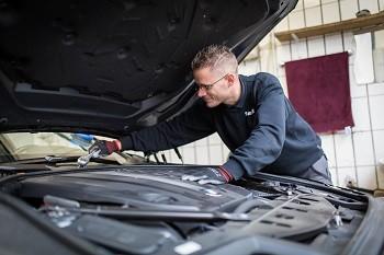 Autoglas Duesseldorf arbeit Windschutzscheiben Tausch