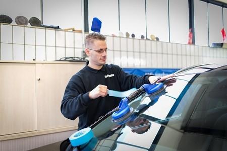 Autoglas Duesseldorf Ausbau Windschutzscheibe