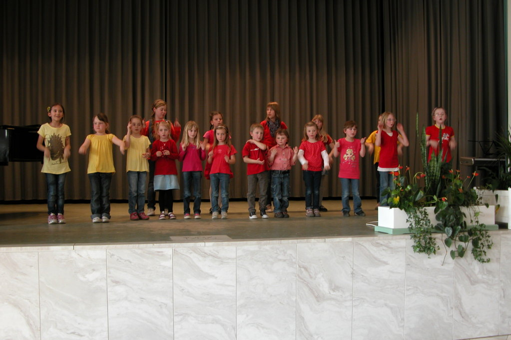 Kinderchor Haard - Leitung: Eva Duda