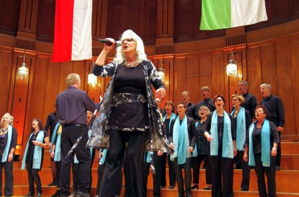 Jutta Wieczorek feat Bright Voices
