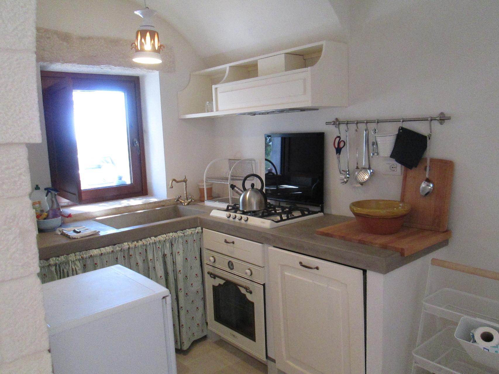 Trullo San Michele - Cucina con lavastoviglie