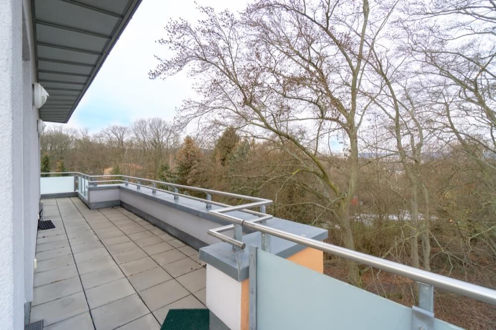 Terrasse mit Blick ins Grüne