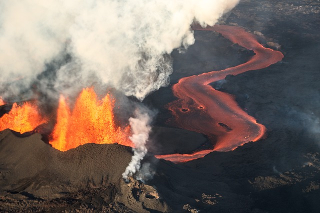 Vulkansausbruch, arabischer Frühling, Griechenland Pleite und Türkei Krise
