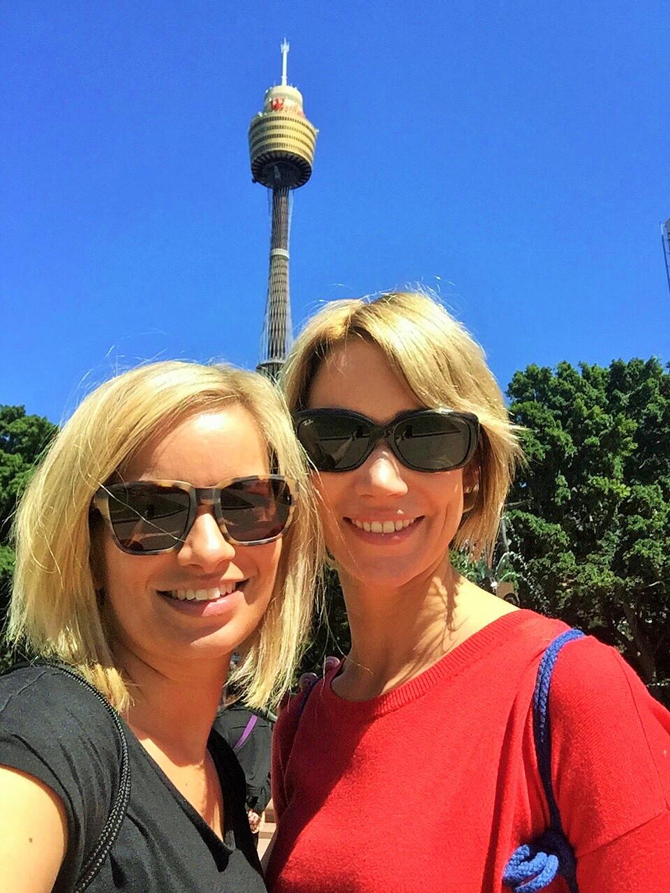 Die Highlights im Vordergrund, der Sydney Tower im Hintergrund