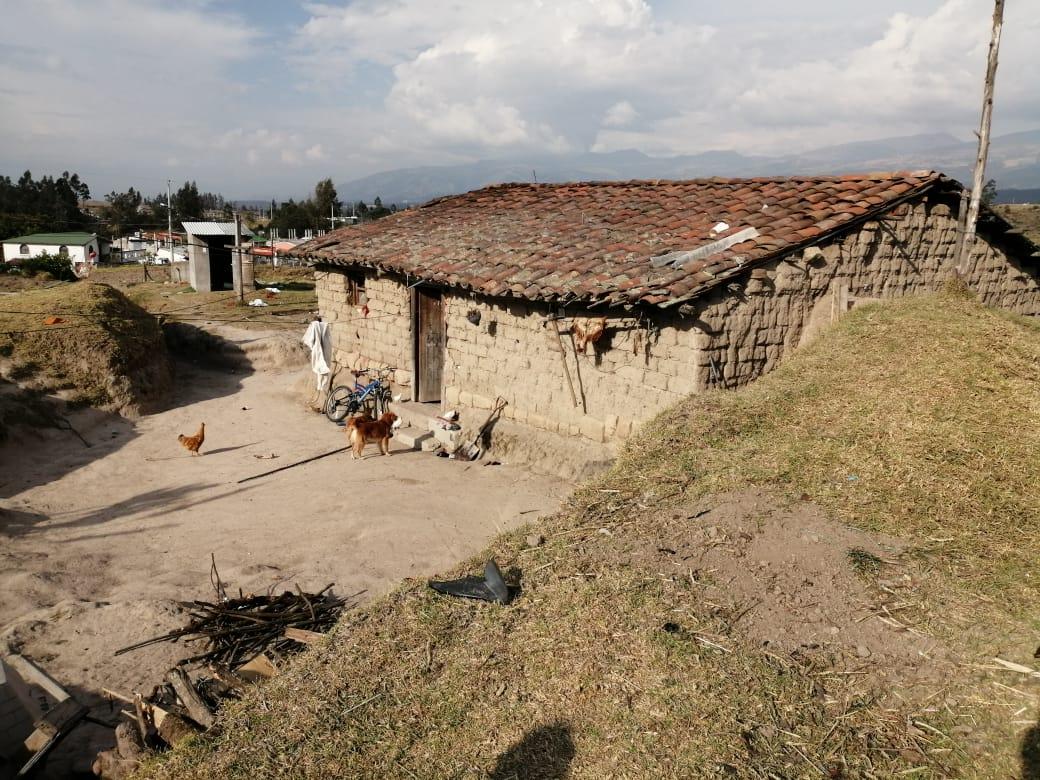 Kinder leben in der Umgebung von La Merced bei Quito