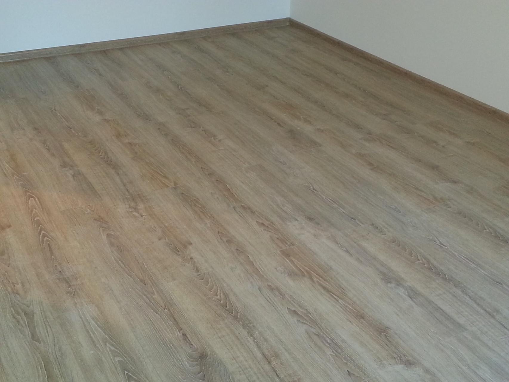 laminat g nstig kaufen angebote dielen parkett schleifen versiegeln len laminat. Black Bedroom Furniture Sets. Home Design Ideas