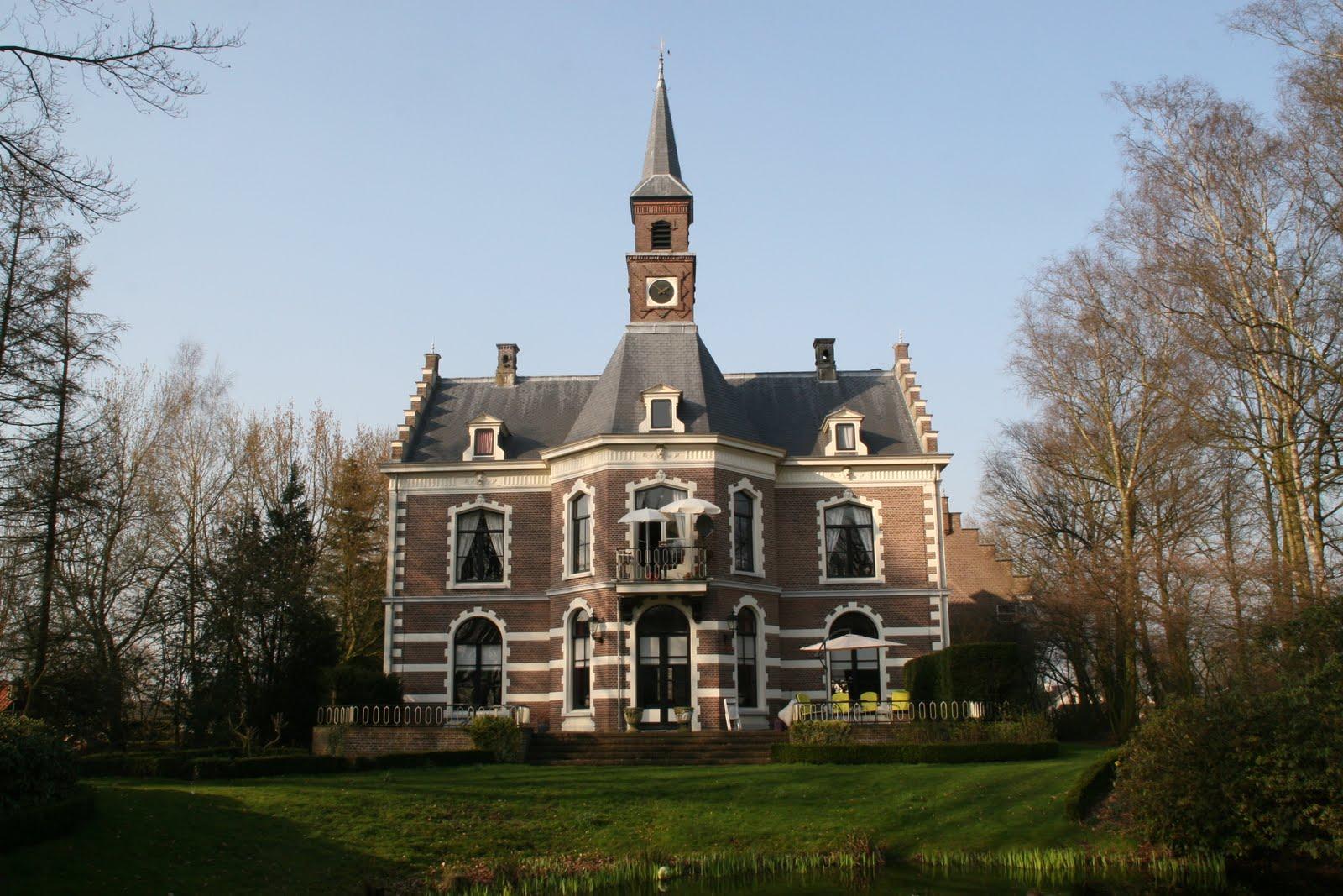Kasteeltje Bruinhorst, gebouwd in 1879. De voorgevel.