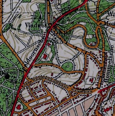 Topografische kaart van 1931. Duidelijk herkenbaar is de infrastructuur met rond bosje van het beoogde, maar nooit gerealiseerde villapark. Links van het ronde bosje ligt Heselbergh.