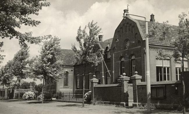 Oude foto van het klooster.