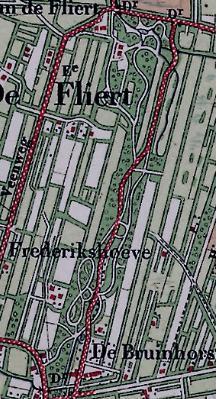 Topografische kaart van 1911, waarop de oorspronkelijke, ruim 1 kilometer diepe tuin zichtbaar is.